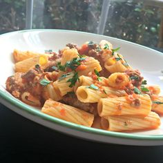 How to Make Bolognese Sauce Sauce Recipes, Pasta Recipes, Dinner Recipes, Cooking Recipes, Italian Dishes, Italian Recipes, Italian Sauces, Italian Entrees, How To Make Bolognese