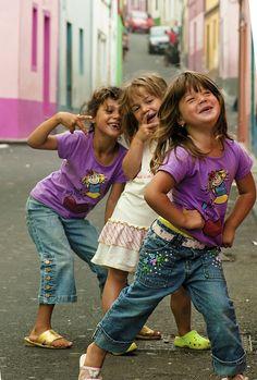 Rabo de Peixe (Azores) -children by Rui Cortes, via Flickr