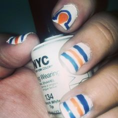 I like the idea of these Oilers nails with the oil drop on an accent nail