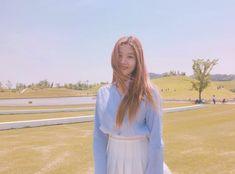 ﹝Park Yewon﹞ ー Kwon Eunbi ♡̷̷ Kpop Girl Groups, Korean Girl Groups, Kpop Girls, Japanese Girl Group, Seohyun, Female Singers, Social Platform, Ulzzang Girl, Girl Power