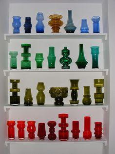 Riihimaki glass by art-of-glass Vintage Pottery, Pottery Art, Art Of Glass, Vases, Glass Company, Glass Ceramic, Glass Design, Scandinavian Design, Colored Glass