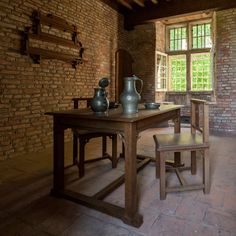 Gerrit Rietveld designed and constructed his first chairs and other furniture in 1905 at the Gate Tower of Zuylen Castle at the Nederlands