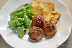 servire piftelute la cuptor cu cartofi copti si salata Baked Potato, Potatoes, Baking, Ethnic Recipes, Food, Salads, Potato, Bakken, Essen