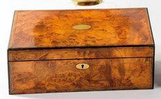 Caja escritorio de raiz de nogal - Subastas Segre