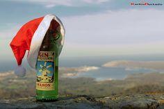 Gin Xoriguer y la Navidad    Foto sacada en el Santuario de Monte Toro con las vistas de   Fornells al fondo     Copyright: Karlos Hurtado 2012  Todos los derechos reservados