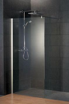 Sehr schlichte und edle Duschlösung.