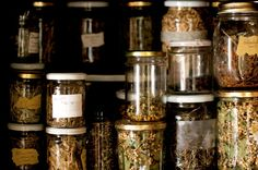 Wondering how to harvest, dry and store your herbs for magical use? Here are some tips on gathering and keeping your magical herbs. Herbal Witch, Witch Herbs, Herbal Magic, Healing Herbs, Medicinal Plants, Natural Healing, Natural Medicine, Herbal Medicine, Homeopathic Medicine