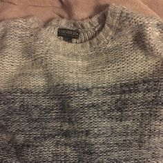 Forever 21 + Sweater Worn twice, like new! Warm, cute and comfortable. Forever 21 Sweaters Shrugs & Ponchos