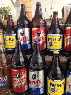 Cervezas Mexicanas Tecate Light, Mexican Beer, Beers Of The World, Sign Painting, Wine And Liquor, Beer Bar, Best Beer, Painted Signs, Tequila