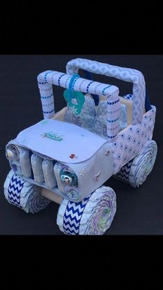 Baby its cold outside jeep diaper cake unique baby gift Luvs Diapers, Baby Shower Diapers, Baby Boy Shower, Baby Shower Gifts, Jeep Diaper Cake, Diy Diaper Cake, Jeep Cake, Nappy Cakes, Christmas Baby Shower