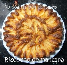 Bizcocho de manzana Sweets Recipes, Apple Recipes, Cake Recipes, Filipino Desserts, Sweet Desserts, Apple Pie, Cheesecake, Food And Drink, Favorite Recipes