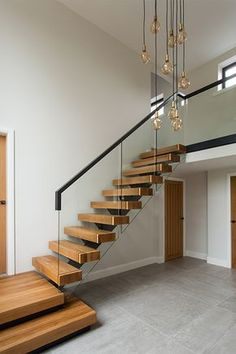 Staircase Design Modern, Small Staircase, House Staircase, Interior Staircase, Contemporary Stairs, Home Stairs Design, Home Room Design, Staircase With Landing, Floating Staircase