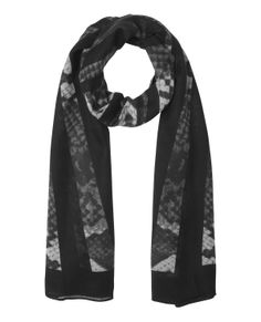 Solve the equations in triangles and squares! Geometric effect on your scarf.