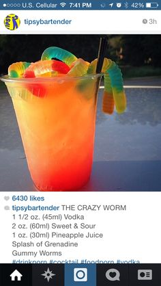Gotta try this. The crazy worm 1 oz vodka, 2 oz sweet and sour, 1 oz pineapple juice, Splash of grenadine, Gummy worms Party Drinks, Cocktail Drinks, Cocktail Recipes, Drink Recipes, Vodka Recipes, Cocktail Ideas, Tipsy Bartender, Non Alcoholic Drinks, Halloween Alcoholic Drinks