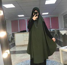 Jilbab Hijab Style Dress, Hijab Chic, Hijab Outfit, Iranian Women Fashion, Islamic Fashion, Muslim Fashion, Muslim Girls, Muslim Women, Niqab Fashion