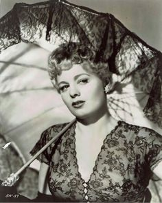 Shelley Winters Old Hollywood Stars, Hooray For Hollywood, Classic Hollywood, Hollywood Glamour, Old Movies, Vintage Movies, Lilli Palmer, Divas, Marie Prevost