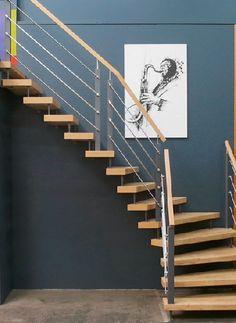 Homeplaza - Treppenbau: Neues Geländersystem lässt das Quadrat aufleben - Die Leichtigkeit des (De-)Seins