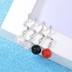 http://gemdivine.com/high-quality-lady-fashionable-cute-natural-crystal-agate-pearl-earrings-silver-plated-long-tassel-retro-silver-jewelry/
