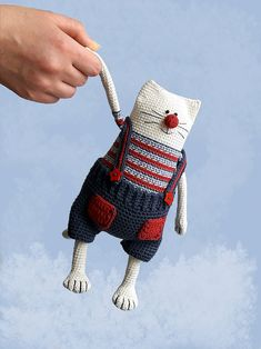 Amigurumi cat pattern Crochet toy kitty making Julius the Happy Chef Cat - Stofftiere Crochet Cat Pattern, Crochet Animal Patterns, Crochet Patterns Amigurumi, Amigurumi Doll, Crochet Animals, Crochet Dolls, Loom Patterns, Magic Ring Crochet, Crochet Gifts