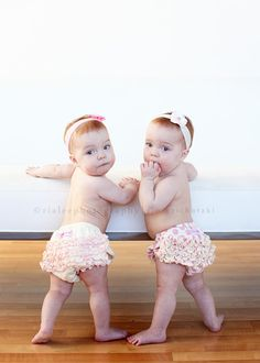 My ultimate dream. Redhead twin girls. I am so unbelievably in love with this.