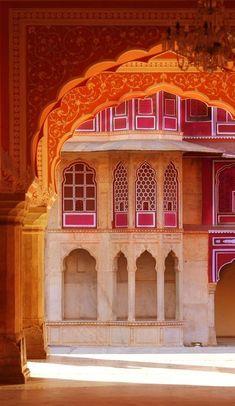 Somewhere in the Pink City, Jaipur, Rajasthan, India Goa India, India Tour, India Architecture, Amazing Architecture, Gothic Architecture, Ancient Architecture, Taj Mahal, Amazing India, Travel Wallpaper