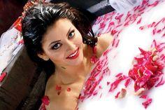 Urvashi Rautela Milk Bath in Great Grand masti Movie