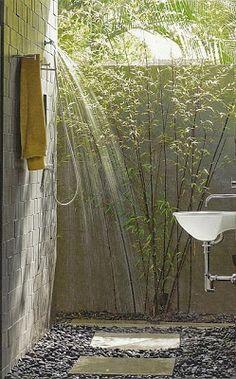 Charming outdoor shower bathtub - Stylish Home Decors, Food Recipes, Beauty Care Recipes