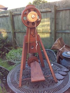 David Dixon collapsible spinning wheel, from Wales, years old. Diy Spinning Wheel, Spinning Wool, Spinning Wheels, Hand Spinning, Hair Yarn, Weaving Patterns, Loom Weaving, Crafty Projects, Yarn Crafts