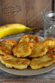Przepis: Bananowe placuszki z kaszy manny - Proste Przepisy Calzone, Food Inspiration, French Toast, Cooking, Breakfast, Drinks, Diet, Kitchen, Morning Coffee
