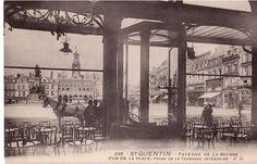Voici une vue inédite de la place de l'hôtel-de-ville depuis la Taverne de la Bourse, aujourd'hui transformée en agence bancaire...