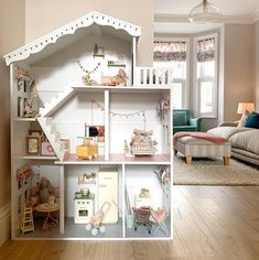 Wooden Dollhouse, Diy Dollhouse, Dollhouse Furniture, Kids Doll House, Doll House Plans, Big Girl Rooms, Kids Decor, Home Decor, Little Houses
