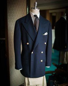 Vintage fabric sports coat MTM tweed jacket for winter Gray windowpane SB bespoke suit Hop Sack navy bespoke blazer Dress Suits For Men, Men Dress, Business Casual Outfits, Business Fashion, Mens Fashion Suits, Mens Suits, 1920s Suits, Mens Tailor, Stylish Suit