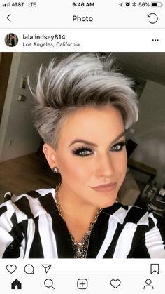 New hair color grey blonde pixie cuts 34 Ideas Short Grey Hair, Short Hair Cuts For Women, Grey Short Hair Styles, Silver Ombre Short Hair, Short Hair With Undercut, Black Hair, Long Hair, Funky Short Hair, Super Short Hair