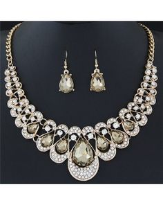Shining Waterdrops Fashion Collar Necklace and Earrings Set - Champagne