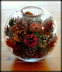 Painted Pinecones Crafts For Thanksgiving Holiday Christmas Table Settings, Christmas Table Decorations, Decoration Table, Holiday Decor, Pine Cone Crafts, Christmas Crafts, Christmas Diy, Christmas Bulbs, Painted Pinecones