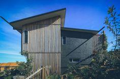 Ian Sercombe Architect- timber & rammed earth home Port Macquarie NSW Photo: Jackson Rafferty Photography
