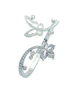 Van Cleef & Arpels - Butterfly and leaf bracelet High Jewelry, Cute Jewelry, Jewelry Art, Jewelry Bracelets, Jewelry Design, Women Jewelry, Vintage Jewellery, Antique Jewelry, Van Cleef And Arpels Jewelry