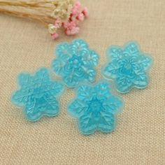 Amazon.com: Plastic Snowflake Cake Stamp Fondant Cookie Mold Candy Stamp Mold 4…