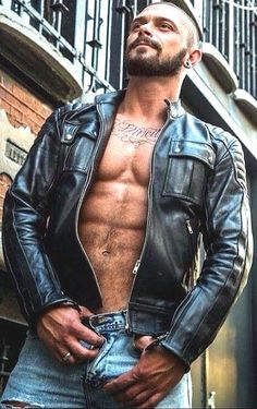 Leather Jacket, Leather Men, Leder Outfits, Hommes Sexy, Hot Hunks, Jeans, Amazon Delivery, Jackets, Free Day