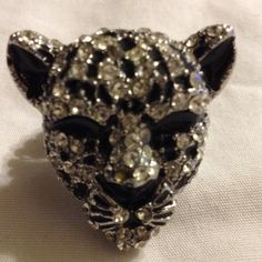 Silver tone blk/wht stone tiger ring Silver tone black and white stone tiger elastic band ring- fits most- I DO NOT TRADE Jewelry Rings