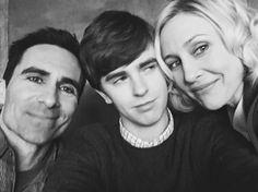 NEW|| Nestor,Freddie & Vera on the set of Bates Motel season 4.