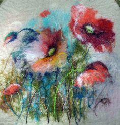 Painting with Wool - Wet felt ~ flowers poppies. Nuno Felting, Needle Felting, Felt Pictures, Wool Art, Felting Tutorials, Wet Felting Projects, Felt Art, Felt Animals, Felt Flowers