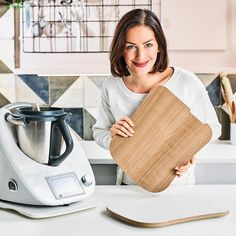 New to Thermomix? Read these top Thermomix tips for beginners to find out how to use your new kitchen machine on steroids to its full potential. Useful tips and practical advice. No Egg Cookies, Easter Cookies, Brownie Recipes, Chocolate Recipes, Giant Jaffa Cake, Brazilian Cheese Puffs, Yummy Snacks, Snack Recipes