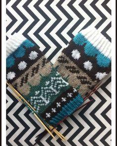 Riikka Was here: Muitaihania talvisukat Sock Knitting, Gloves, Inspiration, Knit Socks, Biblical Inspiration, Knitting Socks, Inspirational, Inhalation
