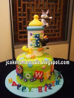 jcake@homemade: Baby Looney Tunes birthday cake