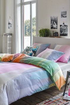 Light pastel colors for your bedroom #Esprithome