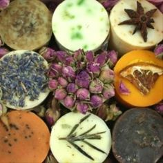 How to make homemade Cold Process Lavender Soap with Shea Butter Luxury Beauty, Diy Beauty, Calendula, Savon Soap, Vegan Soap, Homemade Beauty Products, Cold Process Soap, Soap Recipes, Home Made Soap