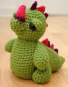 Crochet dragon... I think I need to get better, a lot better, at crocheting.