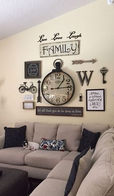Decoration Ideas For Living Room Walls Recliner Chairs Finally I Was Looking On How To Decorate Around A Large Diy Schlafzimmer Deko Ideen Zum Valentinstag Luftballons Mit Fotos Wall Decorgallery