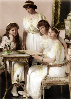 Maria, Tatiana, Anastasia and Olga Romanov, 1914 Who ever added the color to this did an amazing job.